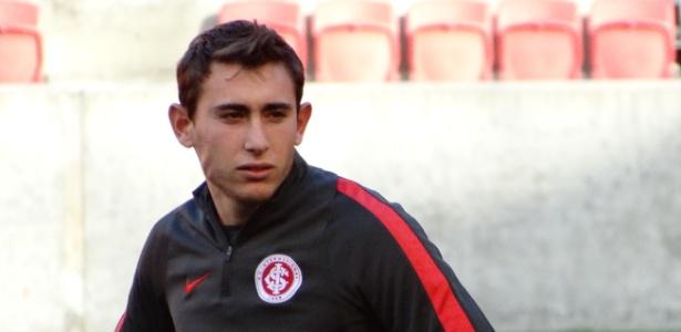 Yonatthan Rak, 22 anos, pode ser novidade do Inter diante do Corinthians