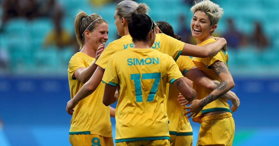 É goleada! Australianas comemoram gol diante do Zimbábue