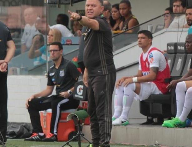 Pachequinho defendeu Alecsandro quanto ao erro no pênalti em Santos - Comunicação CFC