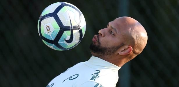 Felipe Melo entrou com notificação para exigir reintegração