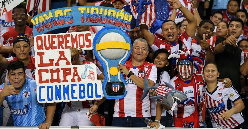 Torcedores do Junior se animam desde antes do jogo em Barranquilla