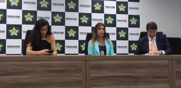 Prisão dos envolvidos foi detalhada pela delegada Daniela Terra (centro)