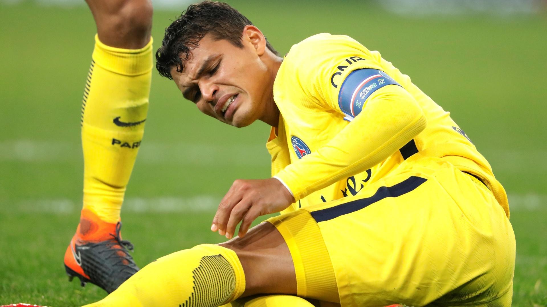 Thiago SIlva sentiu dores, mas continuou em campo na partida entre Lille e PSG