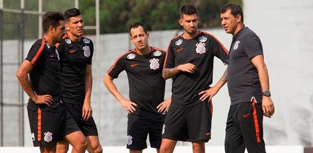 Corinthians terá novamente Júnior Dutra no comando do ataque do time