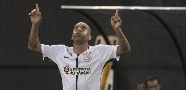 Emerson Sheik deu a vitória ao Corinthians sobre o Mirassol na última quarta