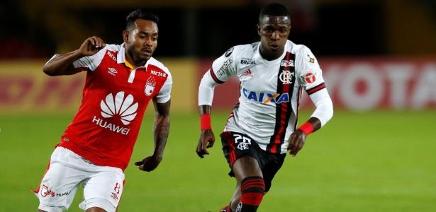 Vinicius Júnior tentou, mas não teve sucesso com o Flamengo na Colômbia - REUTERS/Jaime Saldarriag
