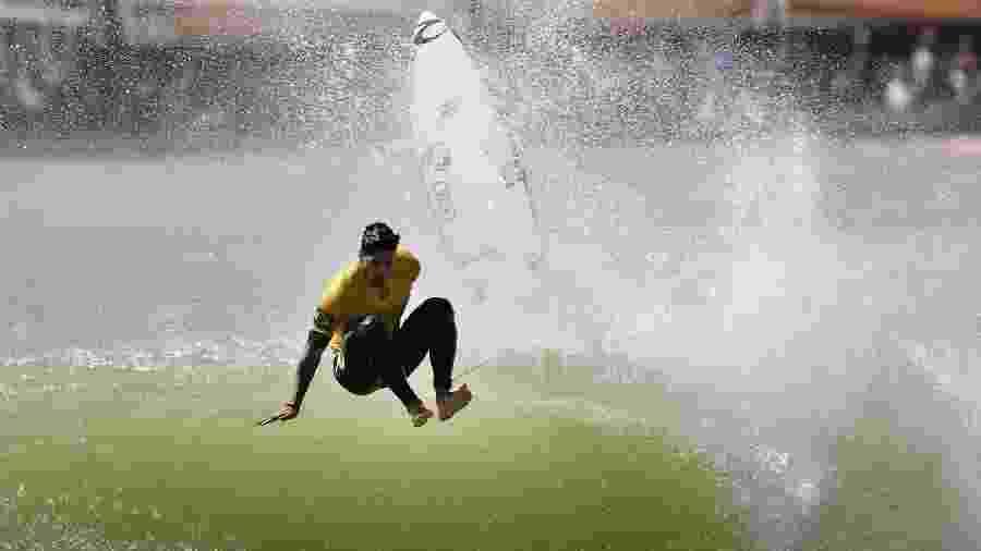 Gabriel Medina foi o capitão do time brasileiro - AFP PHOTO / MARK RALSTON