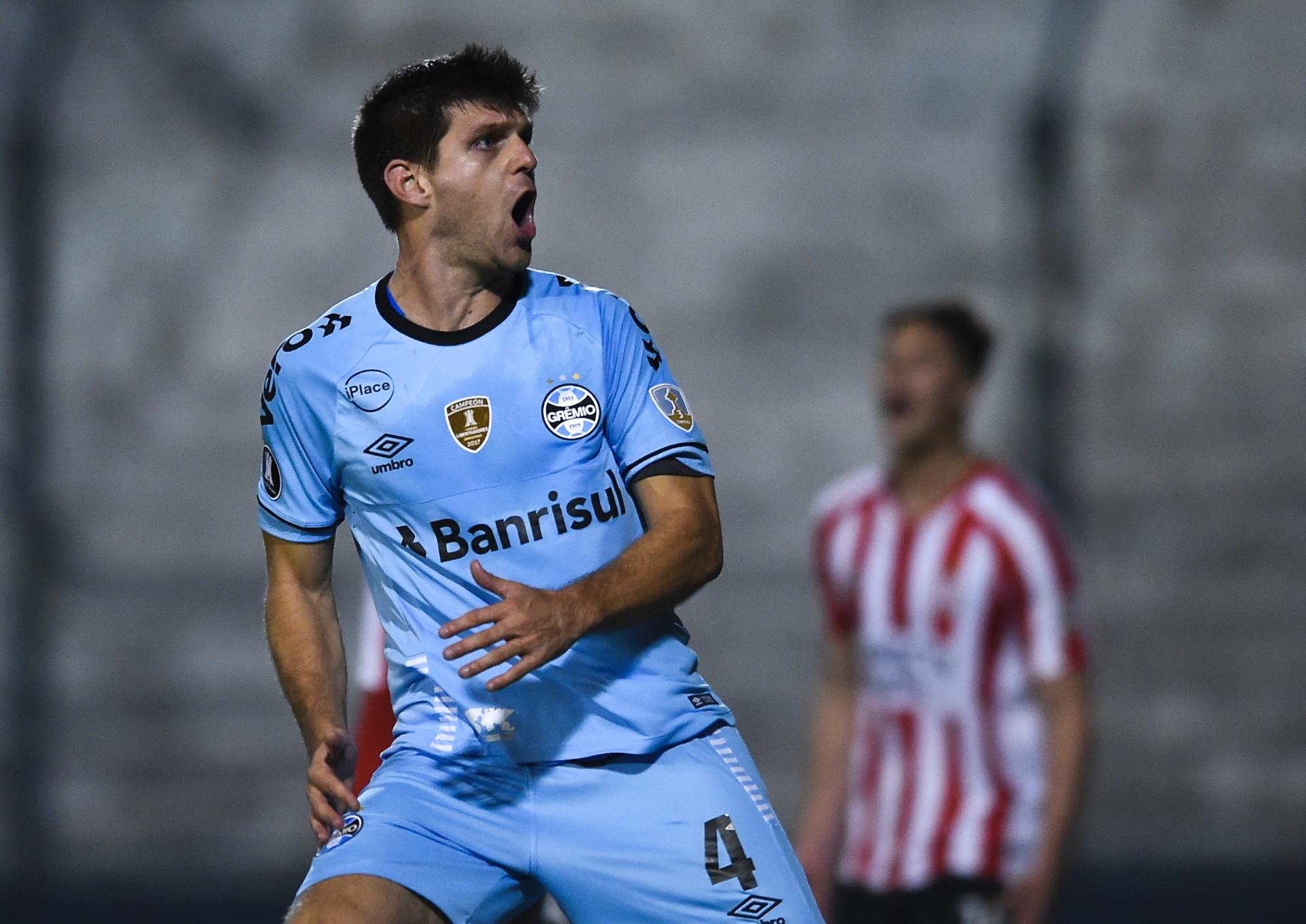 Kannemann valoriza gol fora do Grêmio