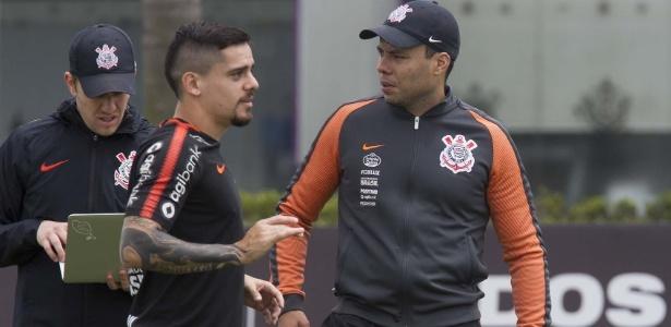 Jair Ventura conversa com Fagner durante treino do Corinthians - Daniel Augusto Jr. / Ag. Corinthians