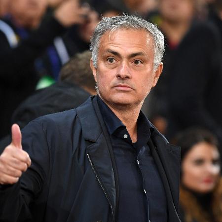 José Mourinho durante duelo contra o Valencia, pela Liga dos Campeões da Europa - Michael Regan/Getty Images