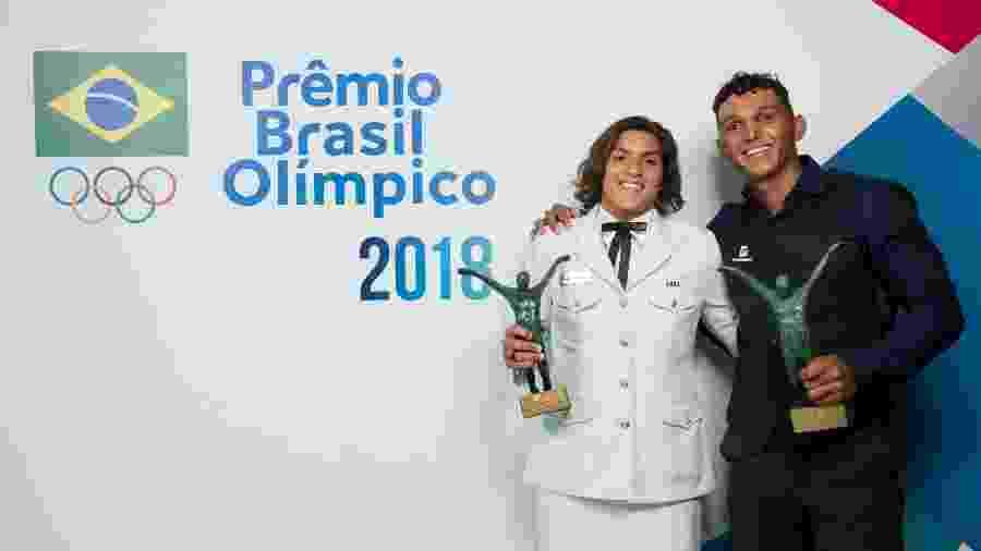Ana Marcela Cunha e Isaquias Queiroz foram eleitos atletas do ano - Alexandre Loureiro/COB
