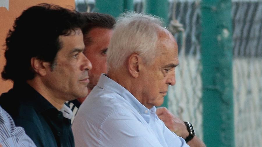 Executivo de futebol Raí e presidente Leco acompanham treino do São Paulo no CT da Barra Funda - Marcello Zambrana/AGIF