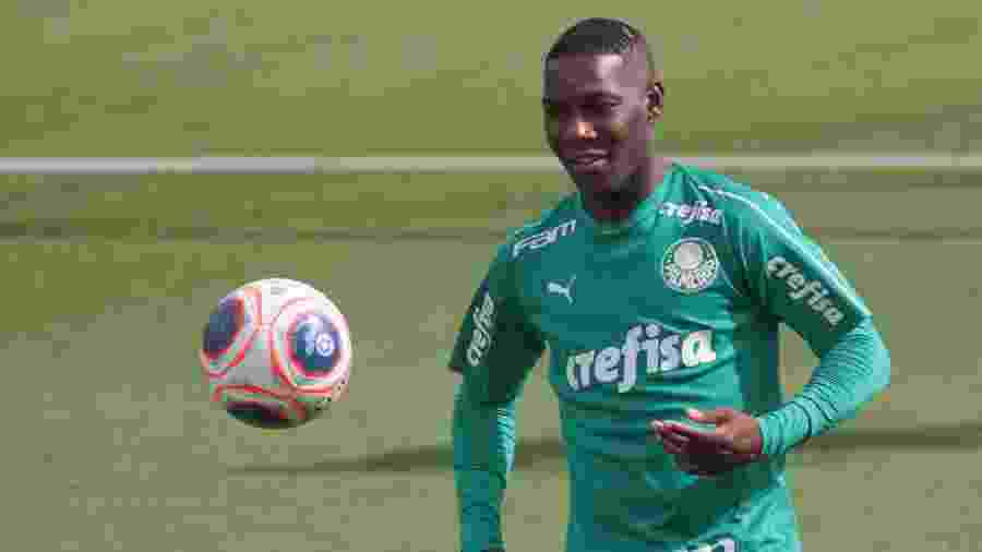 Patrick de Paula fez seu primeiro jogo como profissional do Palmeiras nesta semana, já como titular - Marcello Zambrana/AGIF