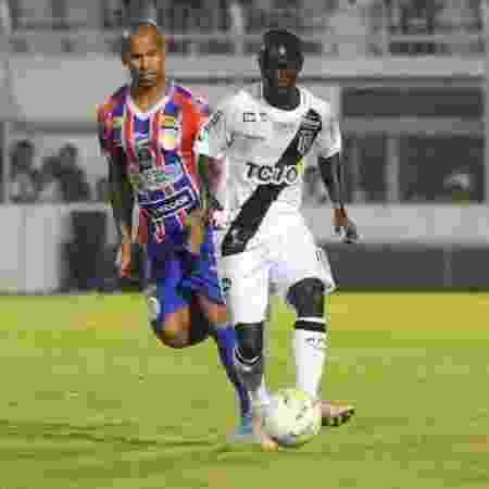 Atacante jogou 12 minutos na Copa do Brasil e torcida incentivou em Moisés Lucarelli - PontePress