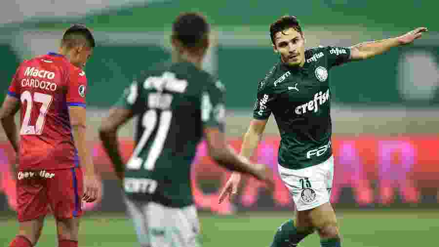Raphael Veiga celebra gol pelo Palmeiras contra o Tigre - Mauro Horita/Conmebol