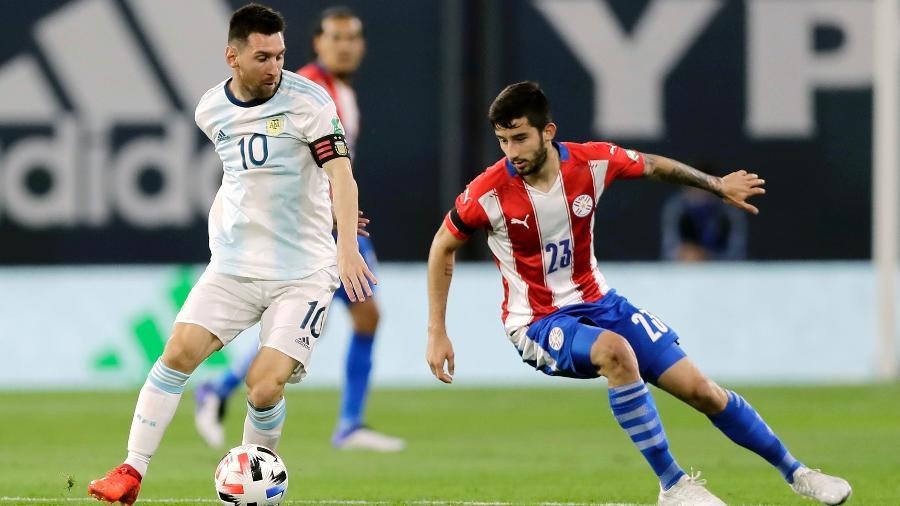 Argetina e Paraguai jogam hoje (21), no estádio Mané Garrincha, em Brasília (DF) - Juan I. Roncoroni-Pool/Getty Images