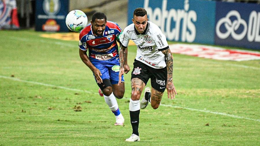 Lance do duelo entre Fortaleza e Corinthians, pelo Brasileirão, no Castelão - Kely Pereira/AGIF