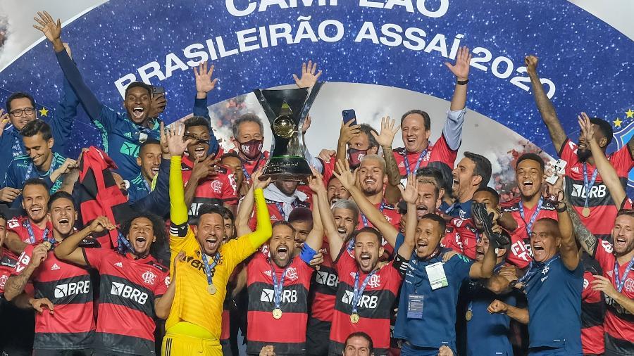 Jogadores do Flamengo celebram a conquista do título do Campeonato Brasileiro 2020: Globo cria novo pacote publicitário para atrair mais marcas - Marcello Zambrana/AGIF