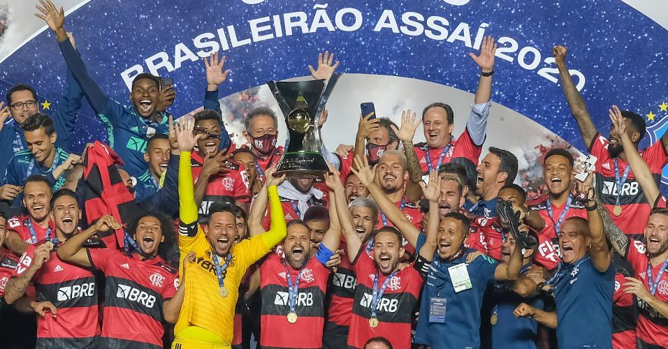 Jogadores do Flamengo celebram a conquista do título do Campeonato Brasileiro