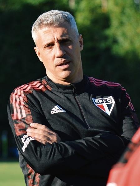 Hernán Crespo, técnico do São Paulo, em treino no CT da Barra Funda - Divulgação/SPFC