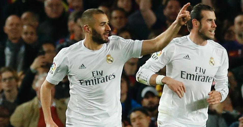 Benzema, atacante do Real Madrid, comemora gol de empate no clássico contra o Barcelona, pelo Campeonato Espanhol