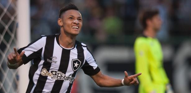 Neílton será avaliado por Mano Menezes em 2017. Técnico decidirá futuro do atacante