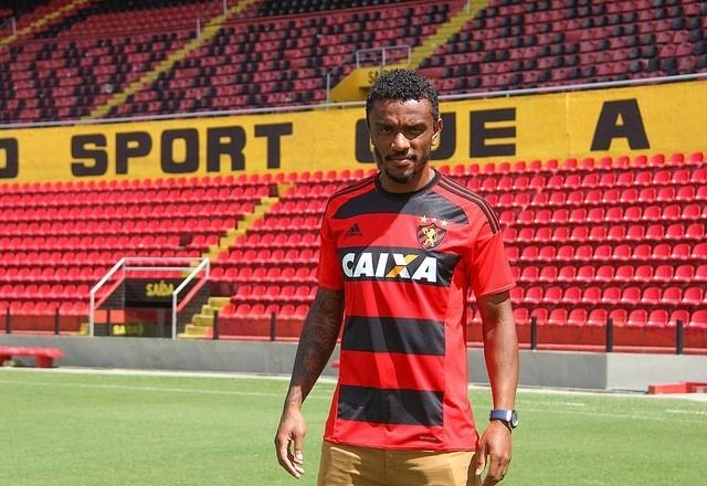 Paulo Roberto, que atuou no Sport em 2016, é reforço do Corinthians