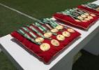 Emoção marca entrega de medalhas e troféu a campeões da Chape