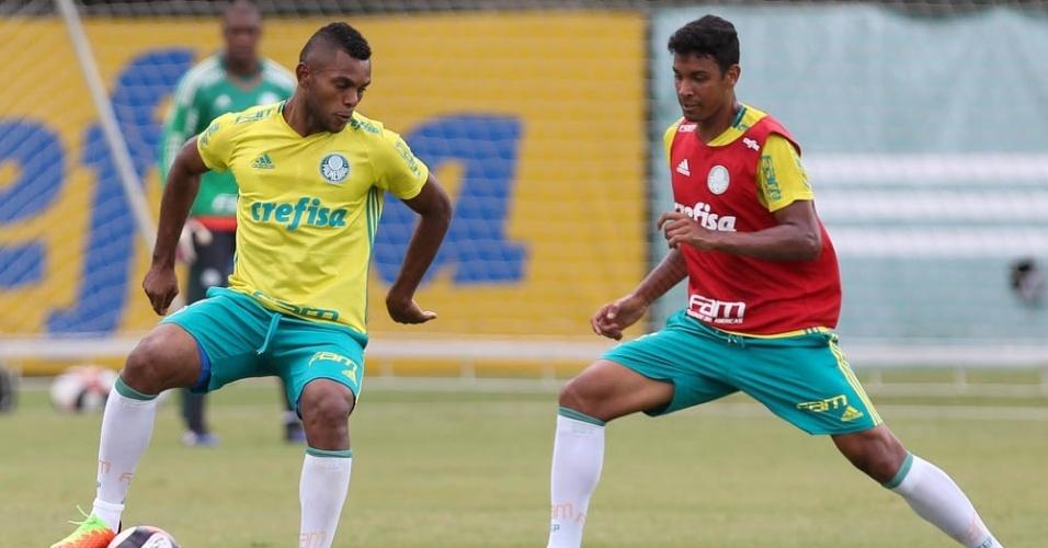 Borja em ação durante treino do Palmeiras realizado na Academia de Futebol