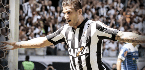 Rafael Moura admitiu que números do Corinthians no Brasileirão estão assustando