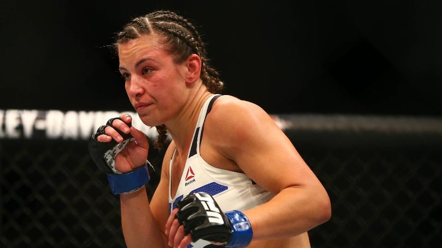 Miesha Tate em ação pelo UFC contra Holly Holm - Mark J. Rebilas/USA Today