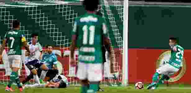 Willian é o goleador palmeirense na temporada com nove gols marcados - Nacho Doce/Reuters