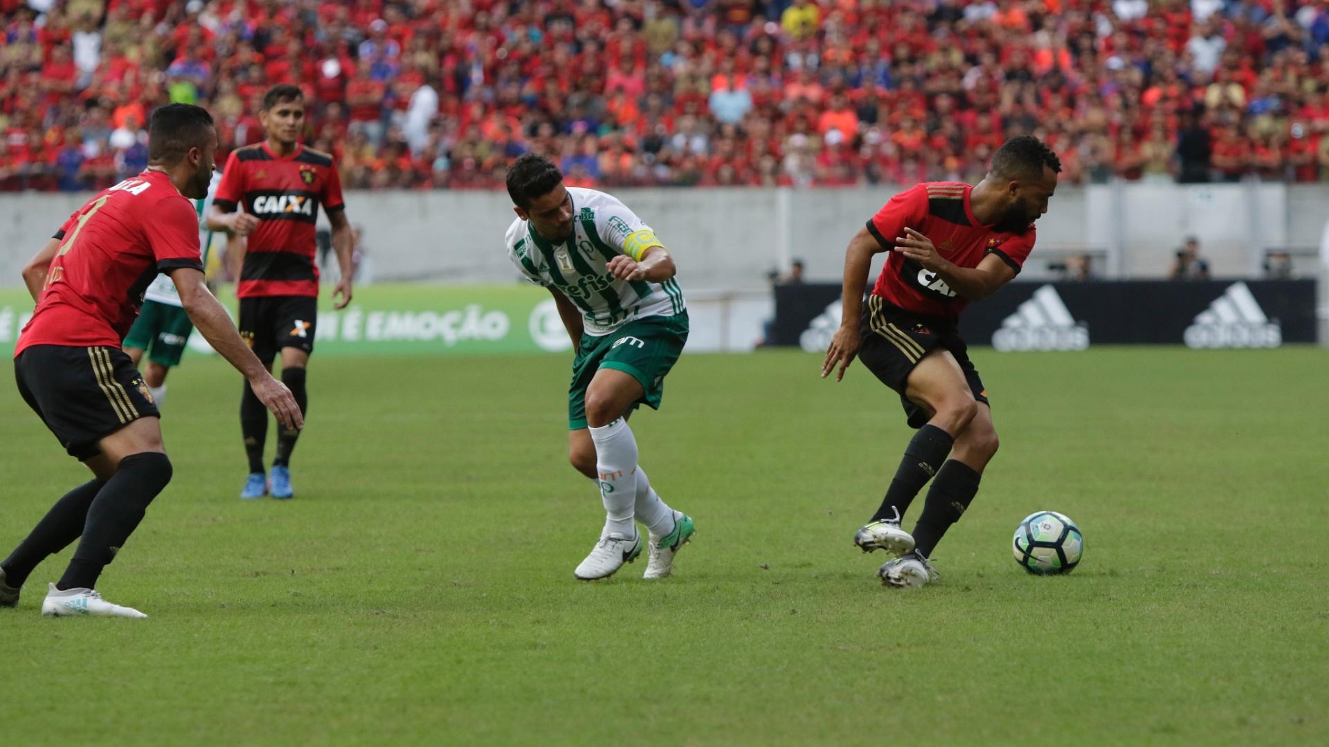 Jean voltou ao time como capitão do Palmeiras na partida contra o Sport