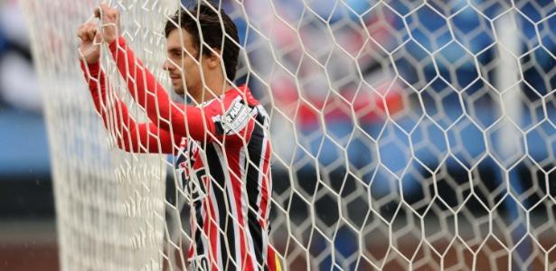 Rodrigo Caio será titular do São Paulo contra a Ponte; zagueiro pensou em deixar o clube