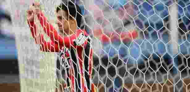 Zagueiro tem 24 anos e está desde 2011 no elenco profissional do Tricolor - Eduardo Valente/Framephoto/Estadão Conteúdo