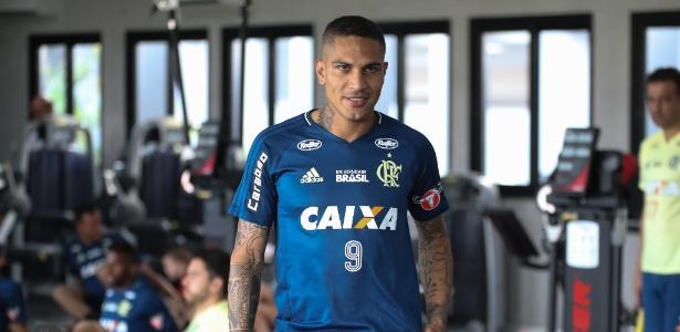 Paolo Guerrero no CT do Flamengo; peruano não vai jogar clássico - Gilvan de Souza/Flamengo
