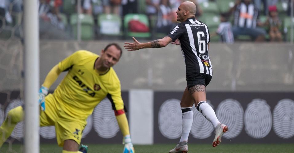 Fábio Santos marca de pênalti o segundo gol do Atlético-MG diante do Sport 84368ac92476b