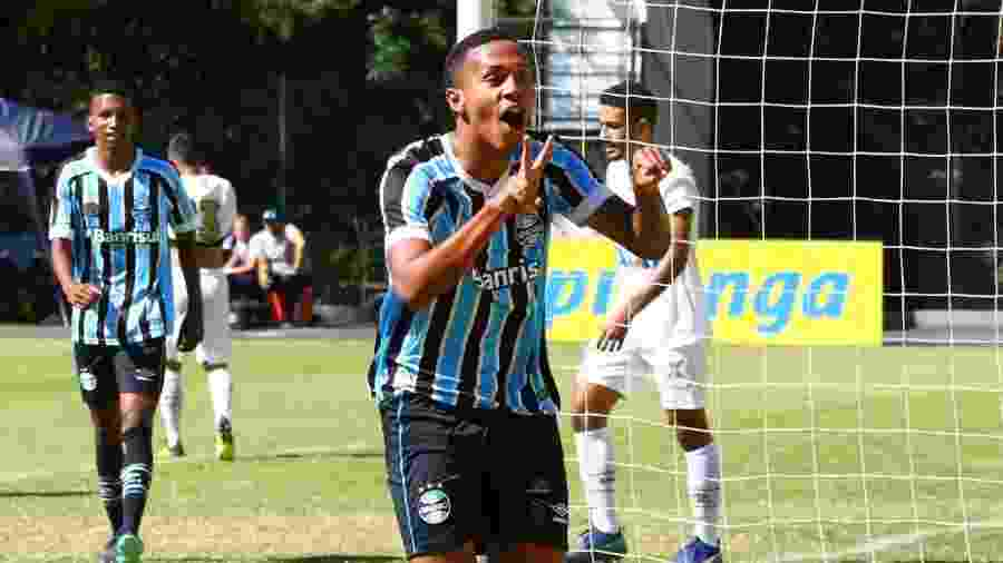 Da Silva andou no radar de clubes da Europa e já encaminhou renovação com o Grêmio - Divulgação/Grêmio