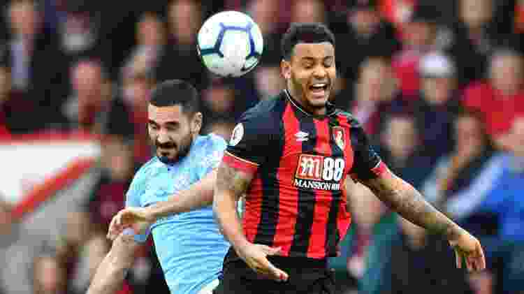Gundogan, do Manchester City, disputa bola com rival do Bournemouth - Dylan Martinez/Reuters - Dylan Martinez/Reuters