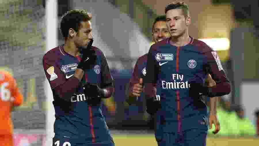 Neymar comemora gol do PSG ao lado de Draxler - Jean Catuffe/Getty Images