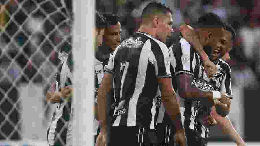 Botafogo busca abrir vantagem sobre o Sol de América - Vitor Silva/Botafog