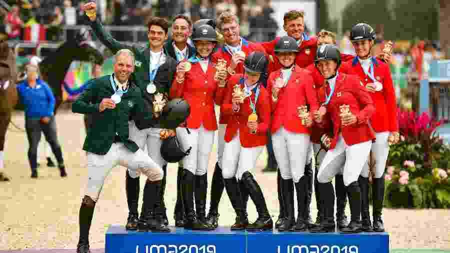 Com vaga olímpica e medalha de prata, cavaleiros brasileiros dividem pódio do CCE com atletas dos EUA e do Canadá - Jose Sotomayor / Lima 2019