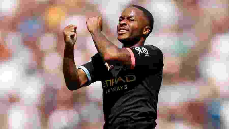 Sterling comemora gol marcado para o Manchester City contra o West Ham - Reuters/John Sibley