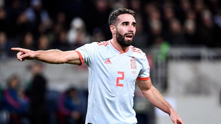 Carvajal gesticula em jogo entre Espanha e Suécia - Jonathan NACKSTRAND / AFP