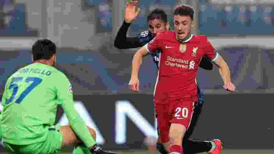Diogo Jota, do Liverpool, marca contra a Atalanta pela Liga dos Campeões - Emilio Andreoli/Getty Images