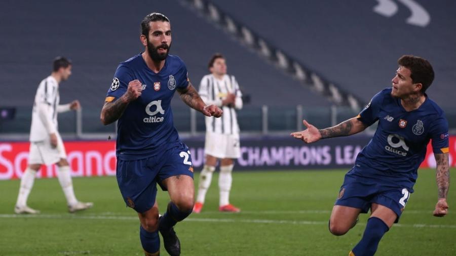 Sérgio Oliveira celebra o gol do Porto sobre a Juventus pela Liga dos Campeões - Jonathan Moscrop/Getty Images
