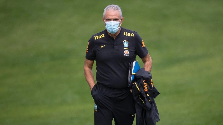 Tite durante treino da seleção brasileira - Lucas Figueiredo/CBF
