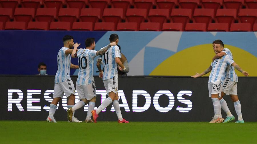 Argentina comemora gol contra o Paraguai pela Copa América - Pedro Vilela/Getty Images