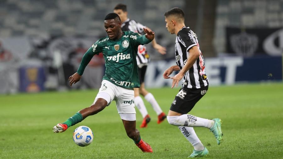 Patrick de Paula em ação durante partida entre Palmeiras e Atlético-MG, pelo Brasileirão 2021 - Cesar Greco