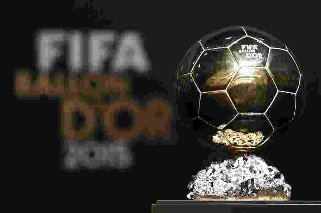 11.jan.2016 - Messi, Neymar e Cristiano Ronaldo estão na disputa pela Bola de Ouro - Valeriano Di Domenico/EFE